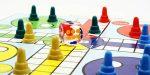 CubiCup logikai társasjáték 3 fő részére fadobozban, fakockákkal